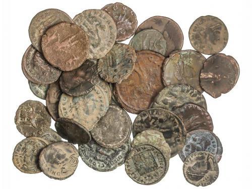 IMPERIO ROMANO. Lote 35 cobres. Diferentes emperadores del B
