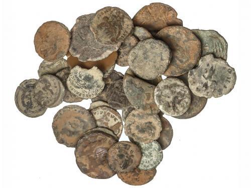 IMPERIO ROMANO. Lote 152 cobres. Todos del bajo imperio, dif